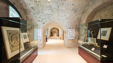 Conquer efficiently - in groups